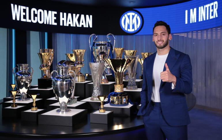 Son Dakika Transfer Haberi: Inter, Hakan Çalhanoğlunu kadrosuna kattığını duyurdu